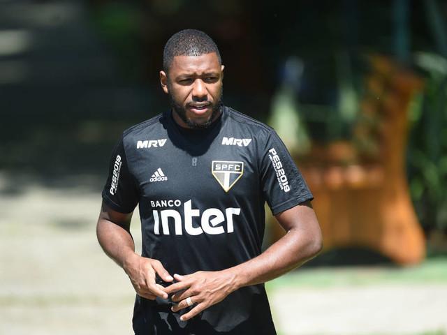 São Paulo terá meio-campo de pouca velocidade contra o Mirassol
