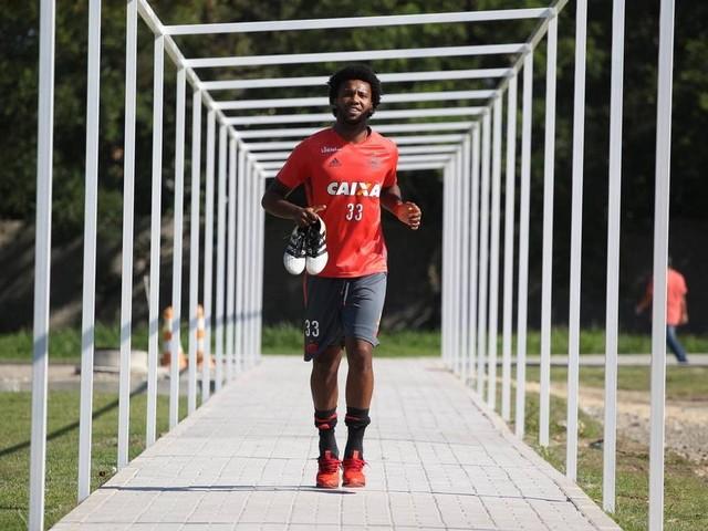 Possível alvo de vaias no Maracanã, Rafael Vaz diz sobre Flamengo: 'Só boas lembranças'