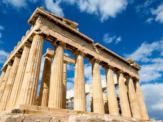 Europa 3×1! Passagens para Atenas, Paris e Amsterdã na mesma viagem a partir de R$ 2.868, com datas no verão europeu!