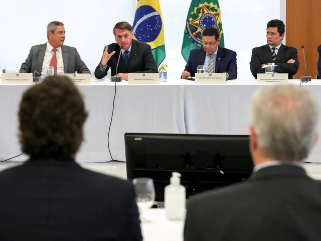 Em reunião, Paulo Guedes deixa clara a pretensão de Bolsonaro de concorrer à reeleição