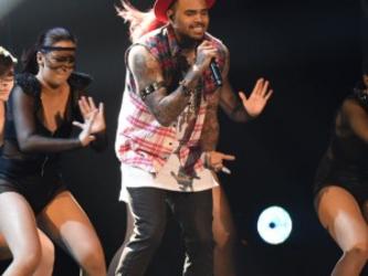 Chris Brown lança novo álbum ainda este ano, diz revista