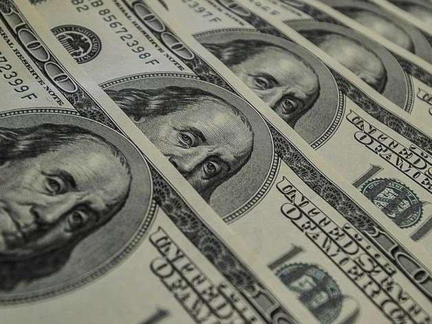 Bolsa fecha em alta e dólar vai a R$ 4,18