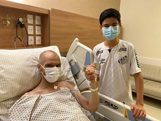 Com câncer, Covas tem sangramento residual no estômago e inicia radioterapia
