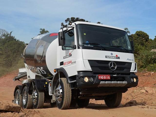 Como antecipamos, Mercedes-Benz lança Atego 2730 8×4 betoneira