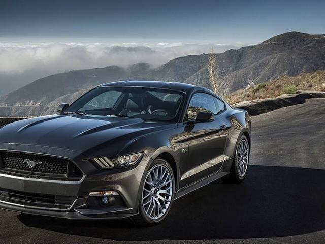 Ford Mustang comemora 55 anos como cupê mais vendido do mundo