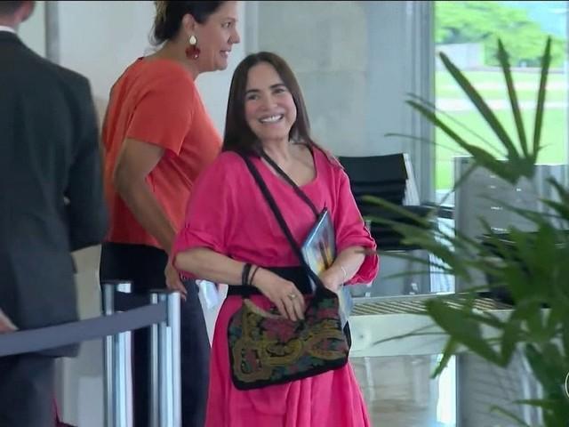 Atriz Regina Duarte aceita convite para assumir Secretaria de Cultura