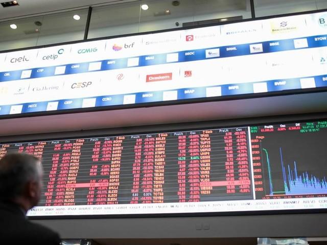 Investidores brasileiros otimistas; estrangeiros, desconfiados