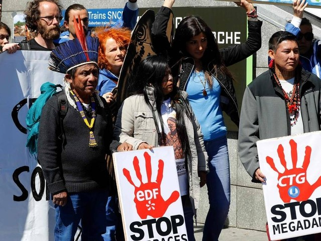 Encontro começa na França com protesto de indígenas contra hidrelétricas na Amazônia
