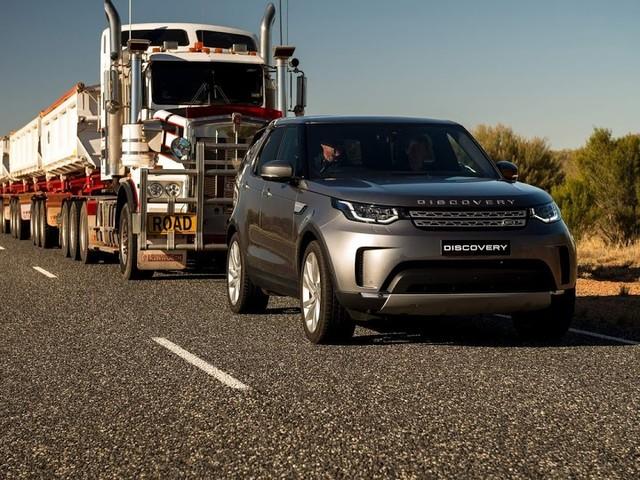 Land Rover Discovery ganha motor Ingenium 2.0 de 300 cv