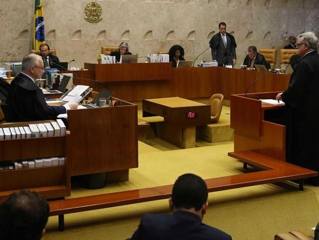Maioria do STF vota pelo envio da denúncia contra Temer à Câmara