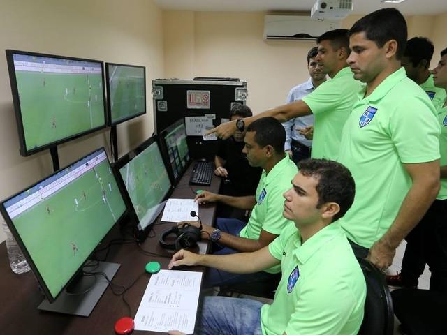 Campeonato Carioca se rende à tecnologia com uso do VAR