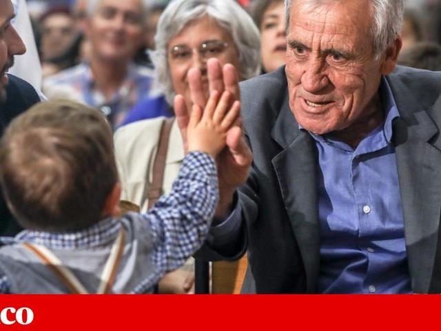 """Jerónimo acusa PSD e CDS de serem """"tu cá, tu lá"""" com a extrema-direita xenófoba"""