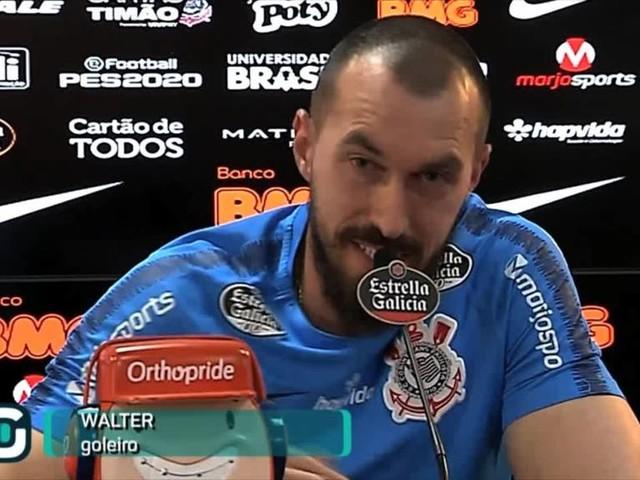 Com Cássio suspenso, Walter enfrenta o Cruzeiro neste sábado