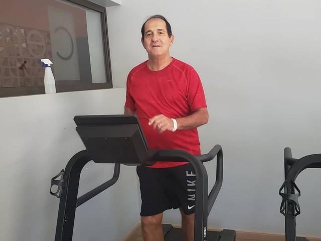 """Muricy Ramalho se exercita de final de semana: """"Aqui é trabalho e saúde"""""""