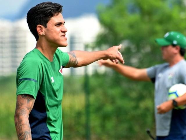 Ataque do Fluminense aprende a não ser dependente de Pedro e celebra seu retorno sem alívio