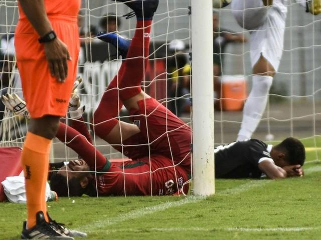 Vasco perde chances e sofre a primeira derrota no ano: Cabofriense 2 a 0