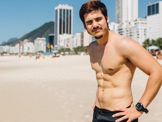 Após estourar como ator da Globo, Nicolas Prattes muda de profissão e deixa público perplexo