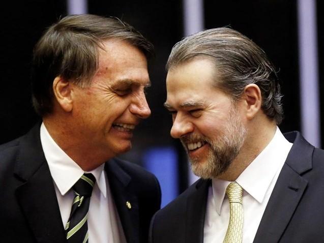 Bolsonaro consultou Toffoli antes de nomear general para a Defesa