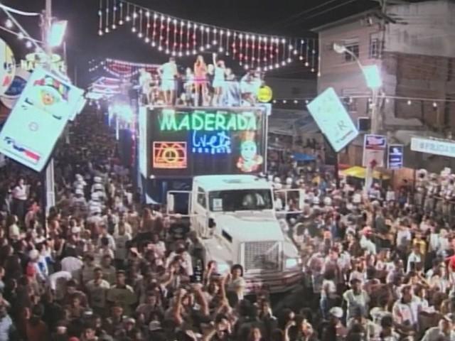 Com mais de 80 anos, micareta de Feira de Santana ganhou destaque após temporal e evoluiu com decadência do carnaval da cidade