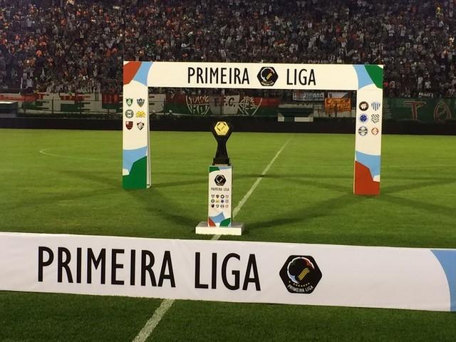Em reunião com clubes, Primeira Liga declara fim da competição