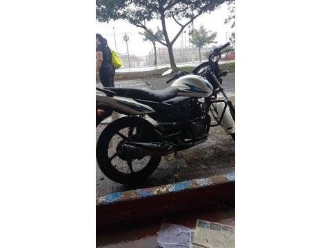 Moto Suzuki modelo Hayate