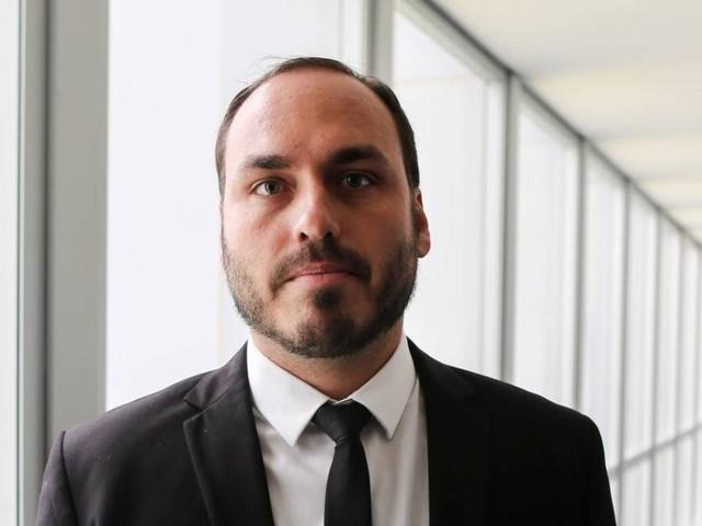 'Zero dois' | Governo Bolsonaro: entenda por que Carlos dá as cartas