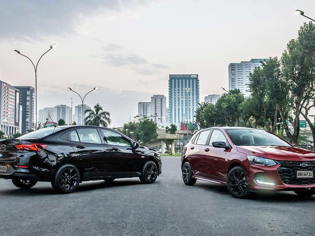 Chevrolet Onix RS 2021 custa R$ 75.590; Onix Plus Midnight sai por R$ 81.390