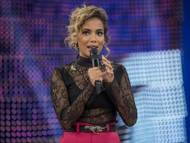 Anitta tem decisão favorável e Justiça suspende bloqueio de R$ 2,8 milhões da cantora