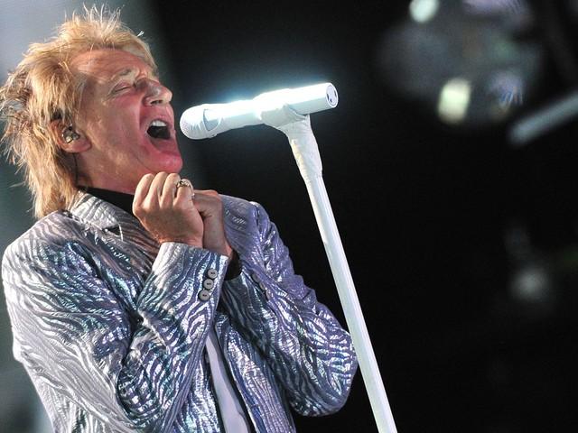 Rod Stewart afirma ter falhado como pai na música intimista 'Didn't I'