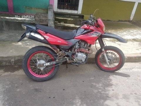 Moto Lifan XR 200cc / Vendo por viaje