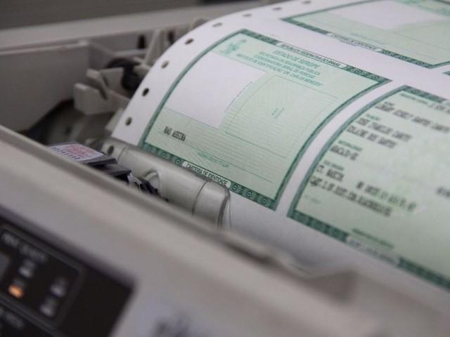 Material para emissão de carteiras de identidade está em falta em Rio Branco