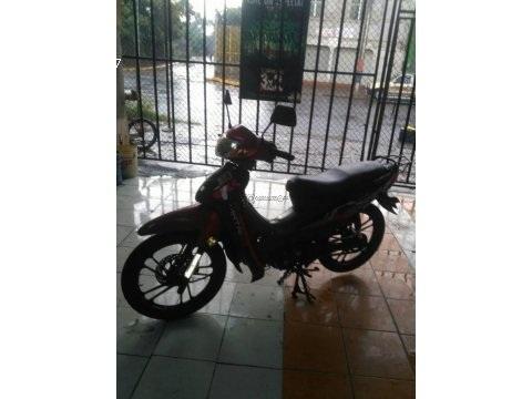 Vendo bonita moto