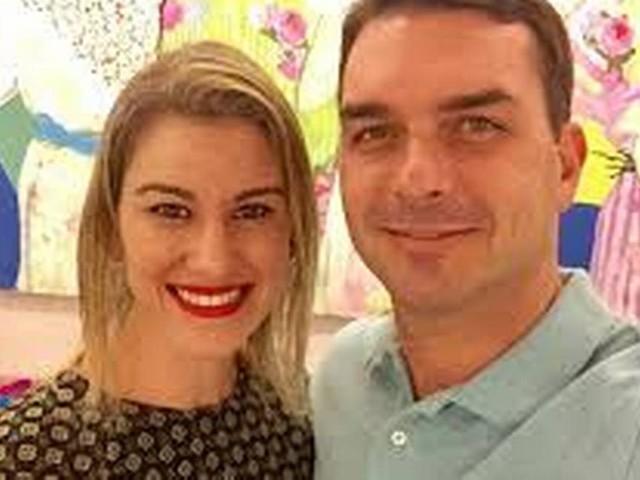 Mulher de Flávio Bolsonaro desconfia que sofreu ataque de hacker