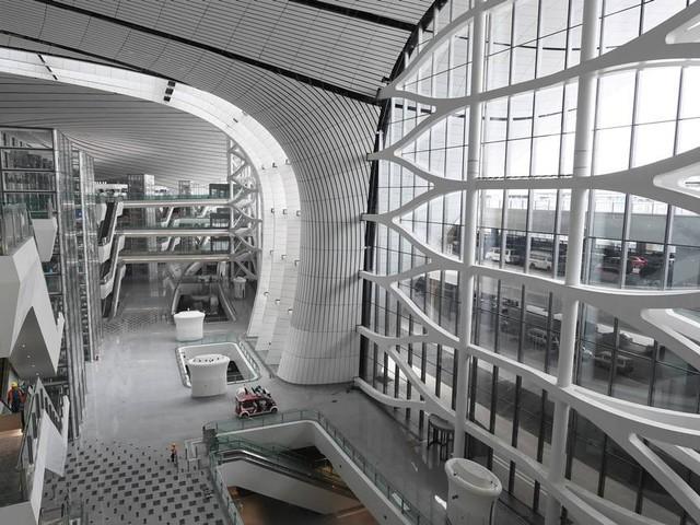 Para comemorar o 70º aniversário de regime comunista, China inaugura maior aeroporto do mundo