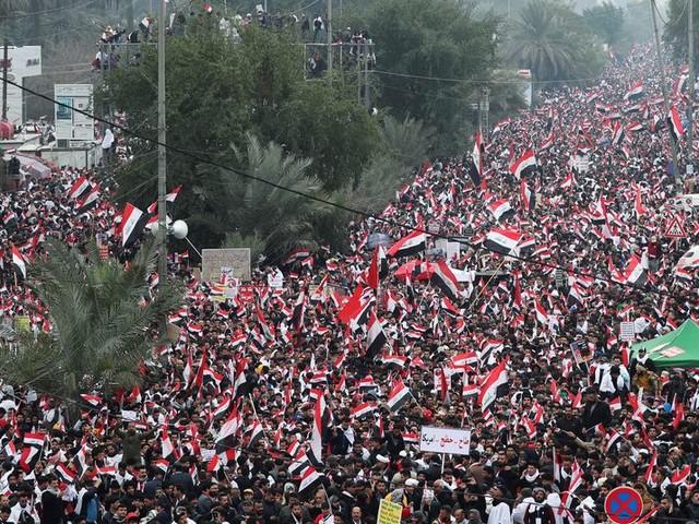 Um milhão de iraquianos vão às ruas pedir a retirada das tropas dos EUA