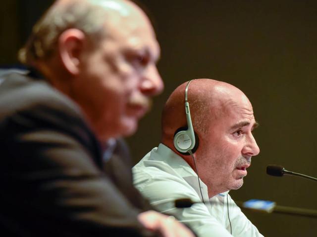 Sampaoli se incomoda com a falta de reforços no Santos