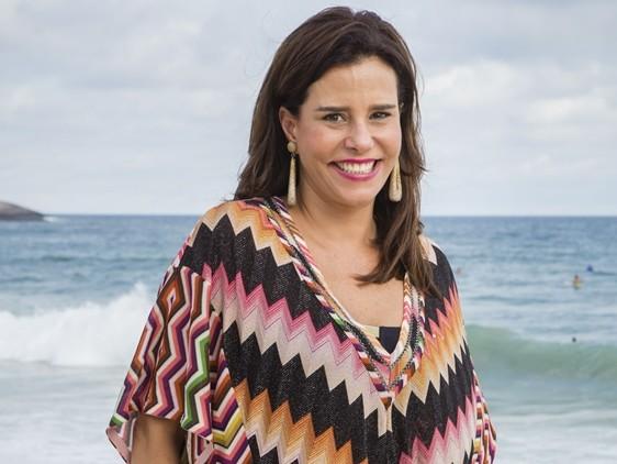 Fora do Brasil, Narcisa Tamborindeguy toma susto e quase é atropelada