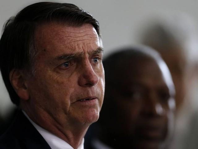 Bolsonaro conclui ministério que fortalece militares e ignora Senado