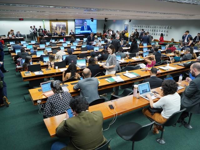 Câmara: MDB, PDT e Republicanos divergem sobre acordo e reivindicam presidência da CCJ