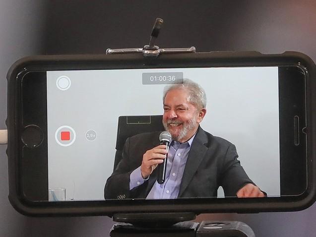Lula: tenho milhões de namorados e namoradas pelo Brasil