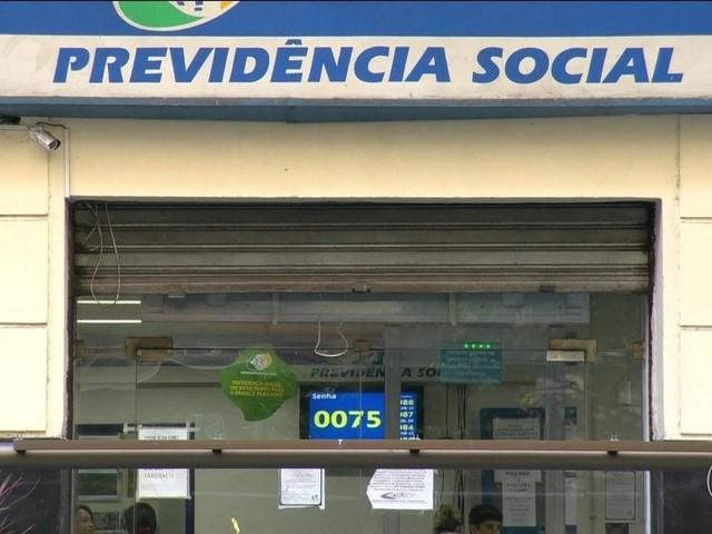 Bolsonaro assina MP para combater fraudes em benefícios do INSS
