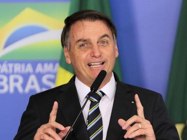 Aluno de universidades brasileiras 'faz tudo, menos estudar', diz Bolsonaro