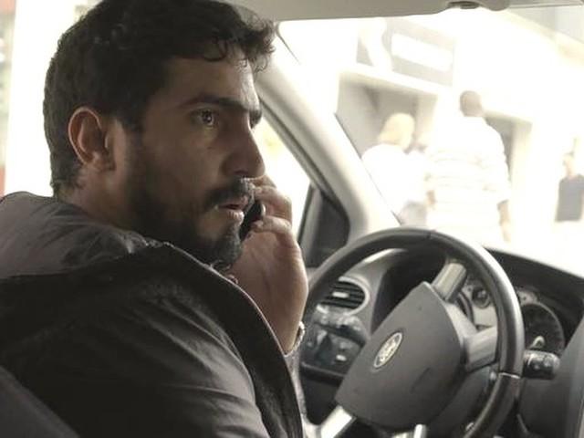 Órfãos da Terra: Jamil tenta salvar Laila da morte, mas é chantageado
