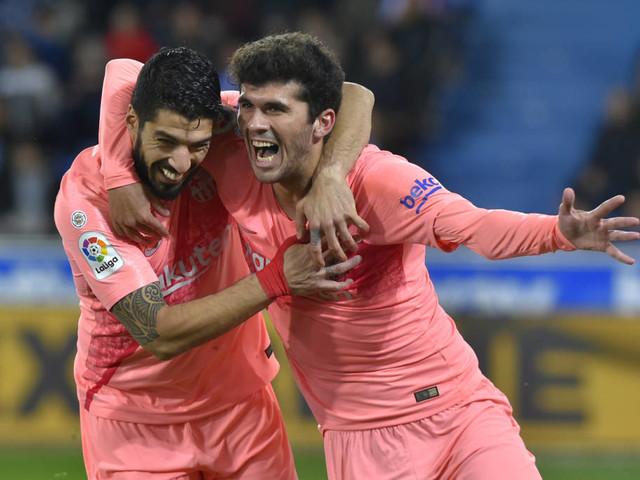 Barcelona vence Alavés e se aproxima do título espanhol