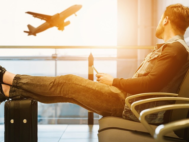 Pacotes de viagem 2.0: saiba como economizar comprando voo mais hotel em nossa live hoje no Instagram