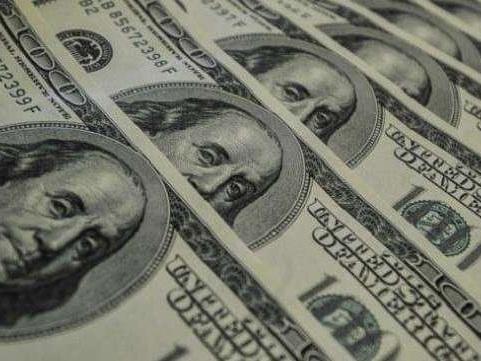 Dólar vai a R$ 4,07 e real tem pior desempenho ante dólar entre 34 moedas