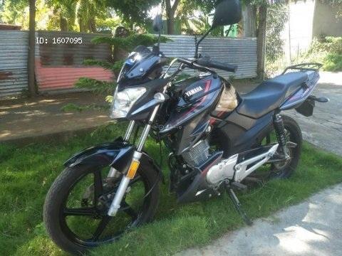 Vendo preciosa moto Yamaha ybrz 2018 semi nueva