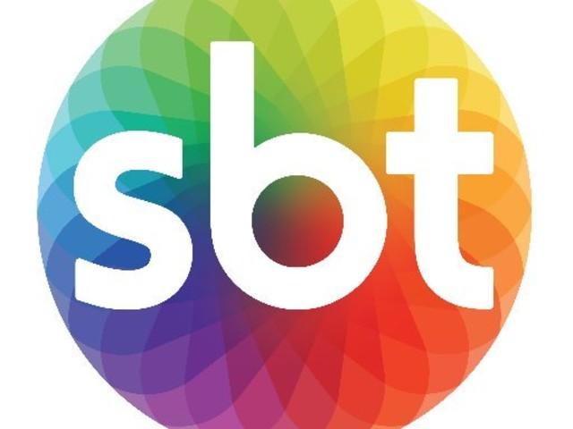 Apresentador do SBT, que se diz hétero, protagoniza barraco no motel com namorado e escândalo explode