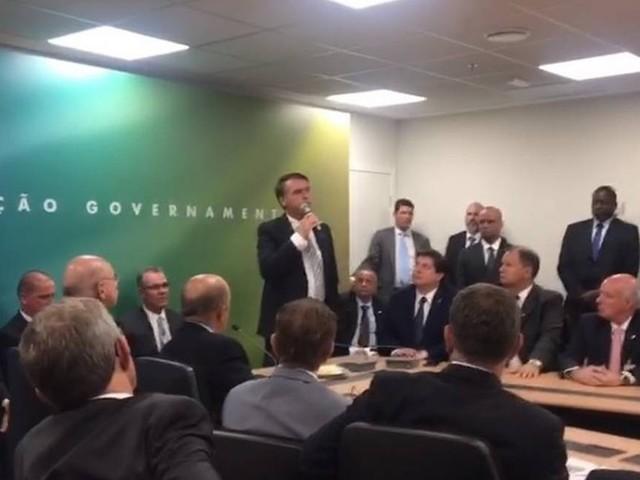 Bolsonaro defende aprofundamento da reforma trabalhista: 'É horrível ser patrão'