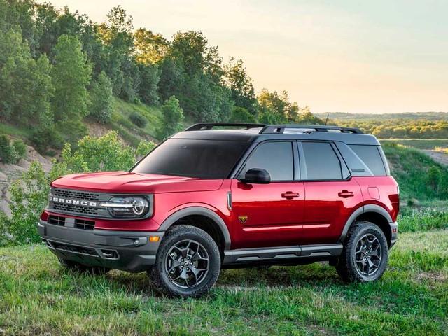 Ford confirma Bronco, Ranger Black, Mustang Mach 1 e Transit para 2021